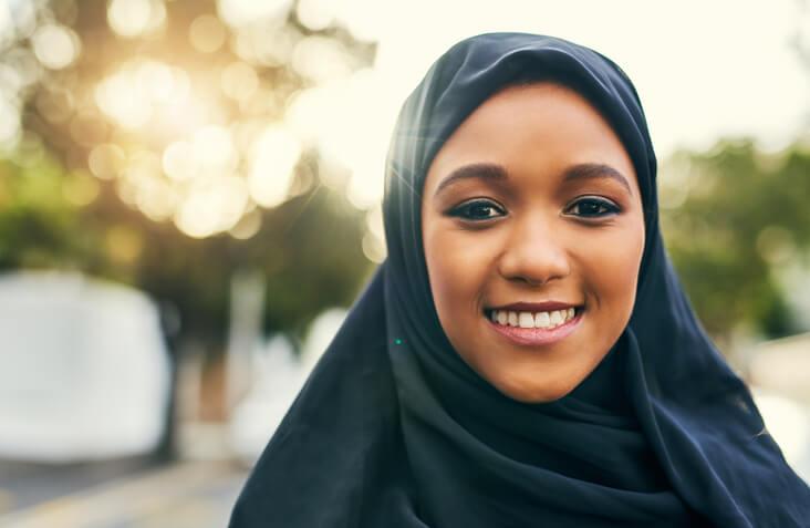 Woman in hijab representing Ignite Faith Niagara